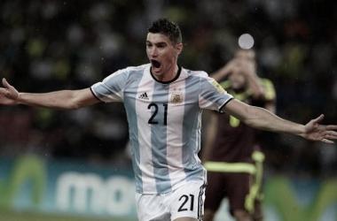 REGRESA. Alario ya tiene goles con la camiseta Nacional y buscará ganarse la confianza de Scaloni.
