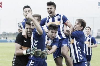 Los jugadores del Alavés B celebran la clasificación. / Foto: Deportivo Alavés