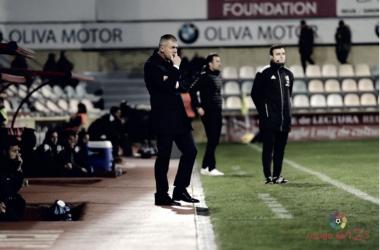El técnico en uno de los encuentros del Almería / Fuente: LaLiga 1|2|3