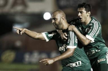 Com gols de Dudu e Alecsandro, Palmeiras bate Botafogo-SP e começa Paulista com vitória