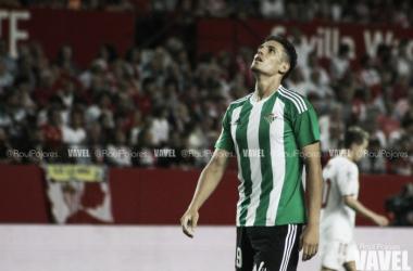 Alex Alegría en el Betis // Foto: Raúl Pajares - VAVEL