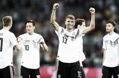Los jugadores alemanes celebran la victoria frente a Suecia. / Foto: FIFA.com