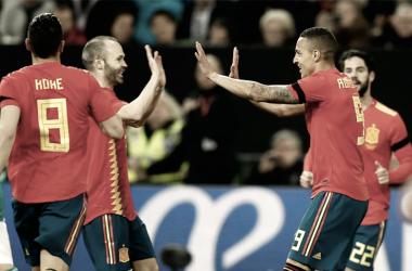 Los protagonistas del gol de España. / Foto: Twitter de la Selección Española