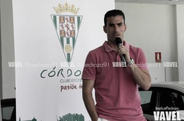 Alfaro durante su presentación como jugador del Córdoba CF | Foto: Jose Luis Pedraza (VAVEL.com)