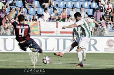 Imagen de Alfaro frente al Huesca | Cördoba CF