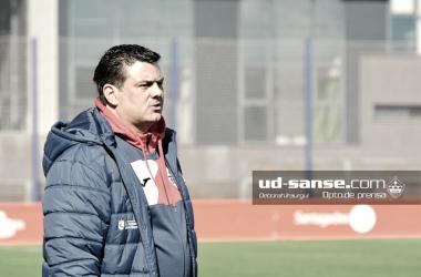 El entrenador sansero , en uno de sus últimos partidos. (Foto: ud-sanse.com)