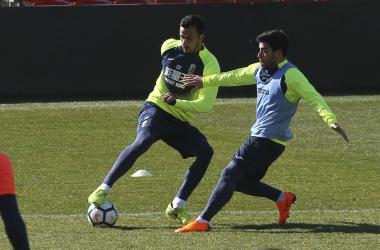 Saunier y Salvador Agra en un entrenamiento del Granada | Foto: Antonio L. Juárez