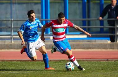 Cristian Bravo en el último partido disputado frente al Lucena. (Foto: Antonio L. Juárez | VAVEL).