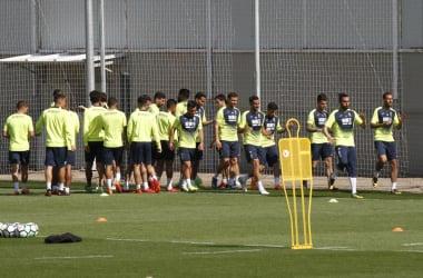 Entrenamiento del Granada CF en su Ciudad Deportiva   Foto: Antonio L. Juárez