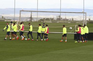 Jugadores del Granada CF durante un entrenamiento [Foto: Antonio L. Juárez]