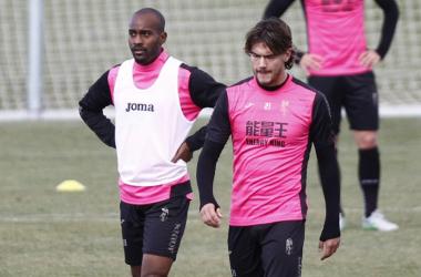 Foulquier y Krhin regresan a la convocatoria del Granada CF. Foto: Antonio L. Juárez.