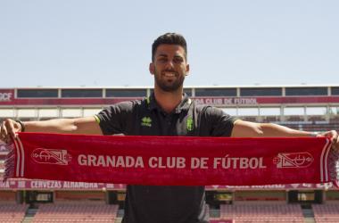 Fede Vico en su presentación con el Granada CF   Foto: Antonio L. Juárez