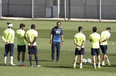 Portugal dirige un entrenamiento del Granada CF | Foto: Antonio L. Juárez