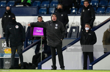 Sam Allardyce, Manager of West Bromwich Albion gives their team instructions during the Premier League match between West Bromwich Albion and Fulham at The Hawthorns on January 30, 2021 in West Bromwich. (Photo by Paul Childs)