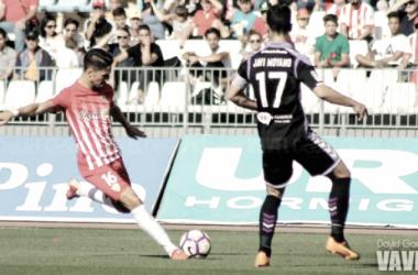 Acción del partido Almería vs Valladolid de la temporada 2016-2017 (Foto: David García - VAVEL).