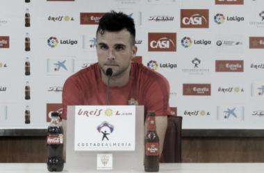 René Román y Álvaro Giménez, altas para el partido del domingo
