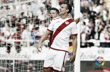 Amaya junto a Galán celebrando un gol. Fotografía: La Liga