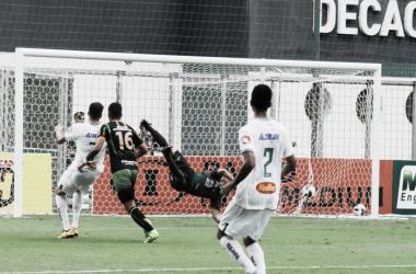 América-MG vence Uberlândia pelo placar mínimo e sobe na tabela do Mineiro
