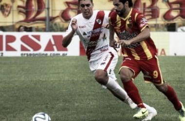 Ambos equipos corren por una victoria que los deje bien parados. Foto: diarioepoca.com