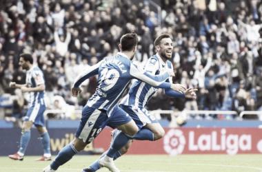 Fotografía de la celebración de Edu Expósito con Borja Valle, tras su gol al Numancia || Fotografía: R.C.Deportivo.