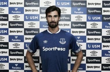 André Gomes, ex-Barcelona, é o novo reforço do Everton