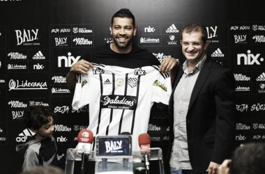 André Santos foi apresentado nessa segunda-feira, no estádio Orlando Scarpelli (Vinicius Nunes /FFC)