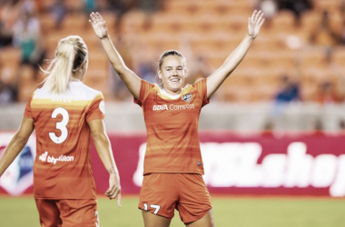 Andressinha (right) doubled the lead for Houston. | Source: @houstondash