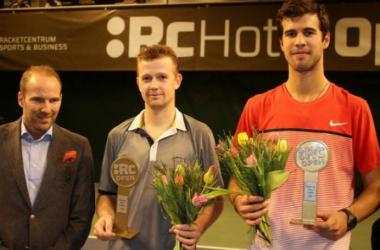 Jonkoping tournament director (left), Andrey Golubev (middle), Karen Khachanov (right) receiving awards during trophy ceremony. (Photo Courtesy of: TennisworldUSA)
