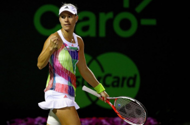 WTA Finals: Kerber vince e si qualifica, Halep costretta al terzo match