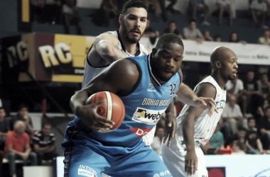 Anthony Johnson fue importante en el planteo de Bahía Basket. Foto: gentileza de la Liga Nacional.