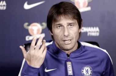 """Conte: """"Espero terminar el partido con 11 jugadores"""""""