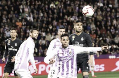 <div>Anuar disputa un balón en el partido ante el Madrid | La Liga</div>
