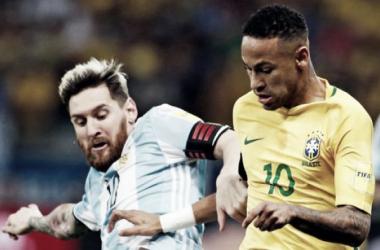 Messi y Neymar - Fuente: AP