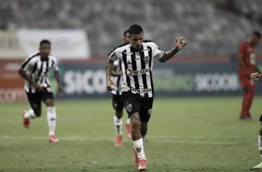 Arana comemora o gol da vitória (Foto: Pedro Souza/Atlético-MG)