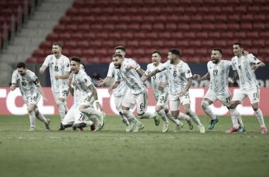 Argentina impone su jerarquía en los penales y avanza a la final