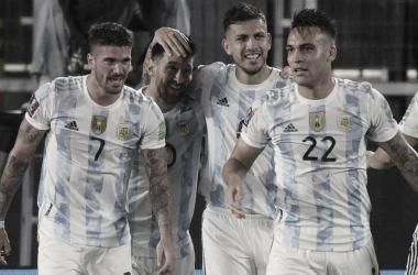 HORA CLÁSICA. En noviembre, la Selección Argentina tiene dos duras paradas en los derbis. Foto: Web