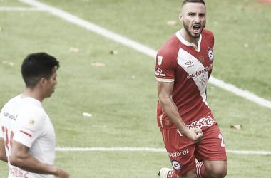 El festejo de gol de Herrera tras convertirle el penal a Pourtau.