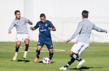 Necaxa y San Luis igualan en partido de preparación