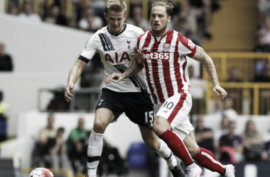 Marko Arnautovic and Eric Dier battle for the ball in the reverse fixture at White Hart Lane. (Photo: tottenhamhotspur.com)