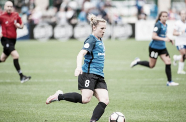 Amy Rodriguez in a game against the Boston Breakers on April 16, 2017 | Photo: ISI photos