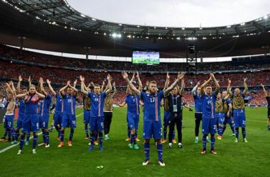 Aron Gunarsson comanda a la selección islandesa dentro y fuera del campo | Foto: AFP.