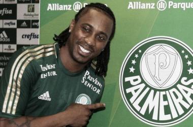 Arouca lidera venda de camisas na loja oficial do Palmeiras