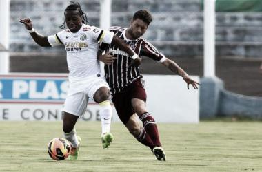De olho na ponta da tabela, Fluminense e Santos se enfrentam no Raulino de Oliveira