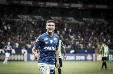 De Arrascaeta brilha e Cruzeiro bate América-MG na estreia de Barcos