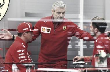 Arrivabene reunido con sus dos pilotos. Foto: Ferrari.