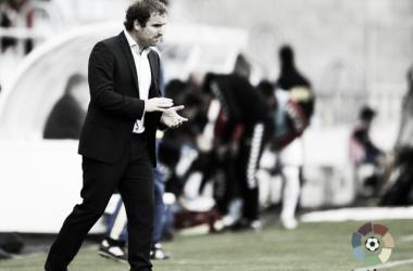 Jagoba Arrasate aplaude a sus futbolistas en su etapa en el cuadro numantino. Imagen: LaLiga