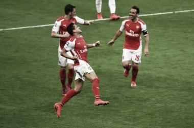 Arsenal sofre com Reading mas garante vaga na decisão da FA Cup