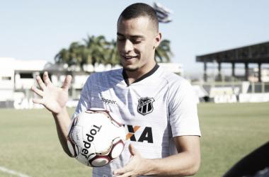 Destaque do Ceará, atacante Arthur Cabral é sondado pelo Atlético-MG