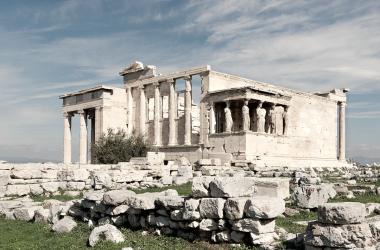 Acrópolis de Atenas, un ejemplo de como los conflictos y los diferentes hechos históricos pueden destruir y convertir un monumento en ruinas   Foto: Wikicommons
