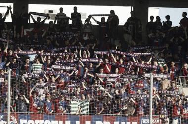 Los aficionados del Eibar, en la celebración del ascenso // Foto La Liga